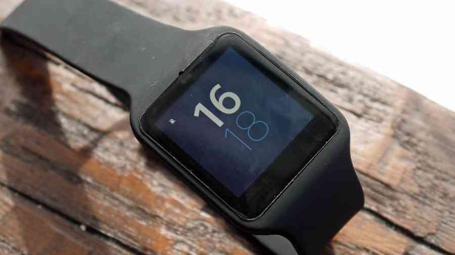 Sony Smartwatch 3 доступны в Google Play